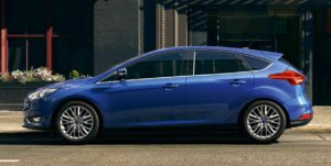 ford-focus-blue-side